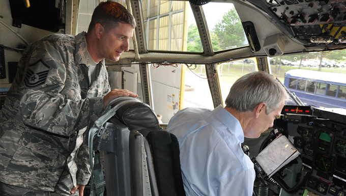 U.S. Senator Rob Portman visits Youngstown Air Reserve Station